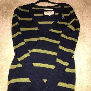Abercrombie and Fitch, Small woman's sweater